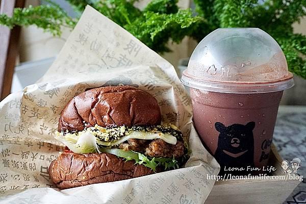 超人氣手工漢堡餐車全台巡迴中CHOCOBear 巧克熊環島餐車-厚實料多巧克漢堡,想吃就要認真排!!!DSC03510.JPG