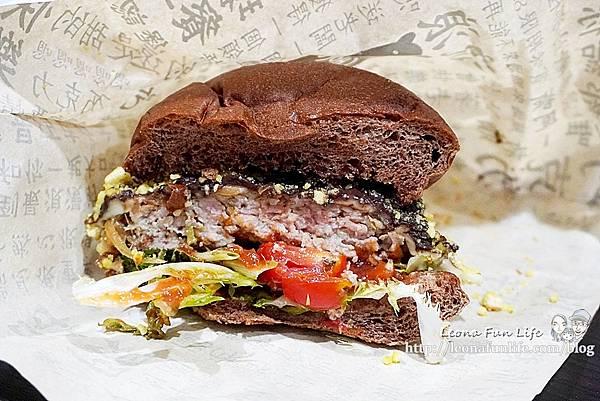超人氣手工漢堡餐車全台巡迴中CHOCOBear 巧克熊環島餐車-厚實料多巧克漢堡,想吃就要認真排!!!DSC03523.JPG