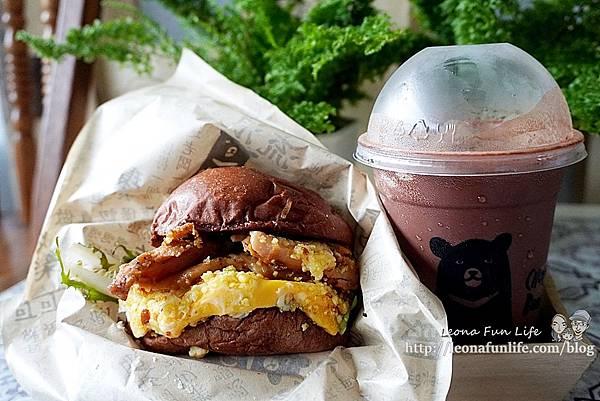 超人氣手工漢堡餐車全台巡迴中CHOCOBear 巧克熊環島餐車-厚實料多巧克漢堡,想吃就要認真排!!!DSC03516.JPG