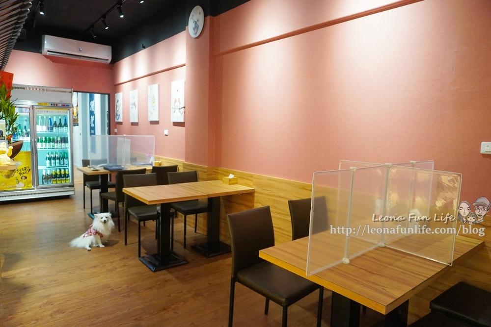 容燒居酒屋崇德加盟店和可愛狗狗一起吃串燒、喝啤酒,享受日式美味料理寵物餐寵物友善餐廳台中北區DSC03589.jpg