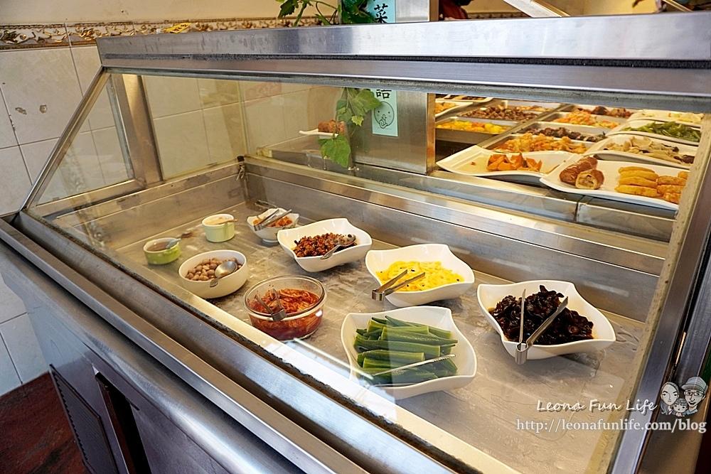 東平蔬食自助餐-清爽不油膩、菜色豐富的素食自助餐,想吃什麼自己夾台中太平素食推薦DSC04322.JPG