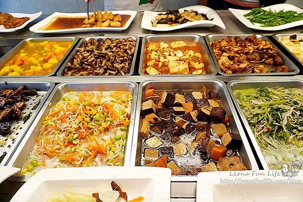 東平蔬食自助餐-清爽不油膩、菜色豐富的素食自助餐,想吃什麼自己夾台中太平素食推薦DSC04325.JPG