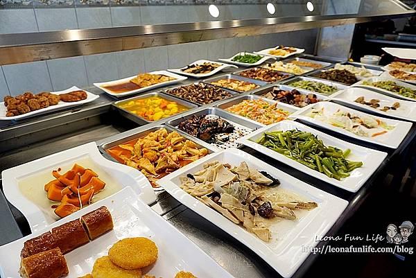 東平蔬食自助餐-清爽不油膩、菜色豐富的素食自助餐,想吃什麼自己夾台中太平素食推薦DSC04324.JPG