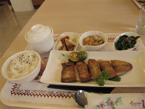 采穎餐坊-魚