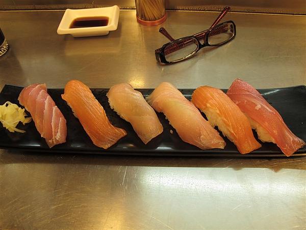 基隆廟口夜市日本料理~綜合握壽司