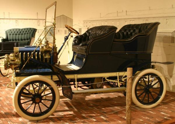 1904 Auburn with very difficult to clean tires.jpg
