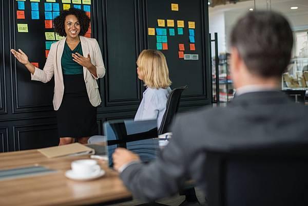 brainstorming-business-businesswomen-1093913 (1).jpg