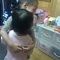 2012.05.25-07回家嚕!抱一個