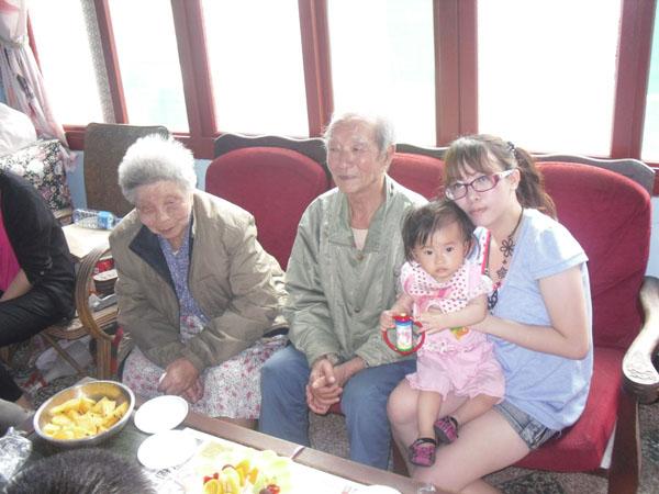 2011.05.08外婆家慶祝母親節