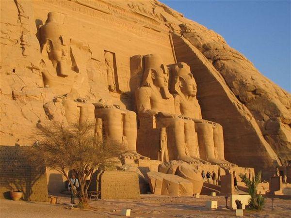 Abu Simbel3(2007.03.18).JPG