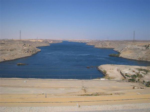 Aswan水壩1(2007.03.18).JPG