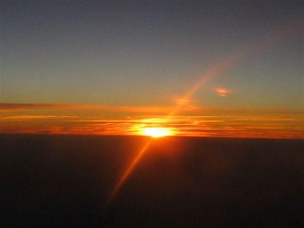 飛機上的日落(2007.03.18).JPG