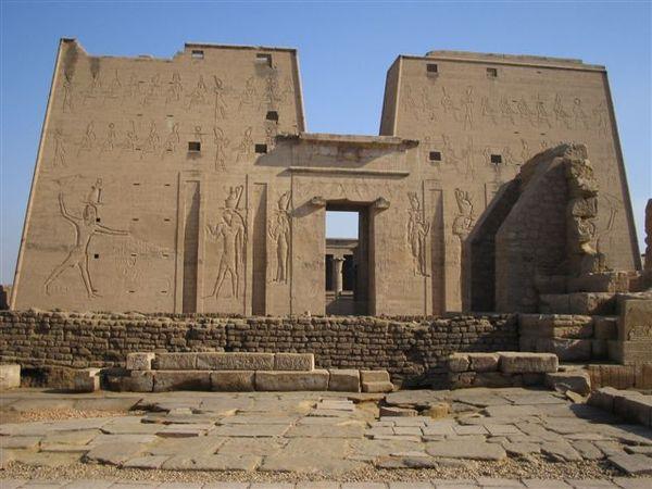 Edfu Temple4.JPG