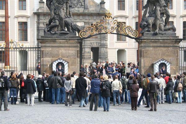 布拉格城堡衛兵交接.JPG
