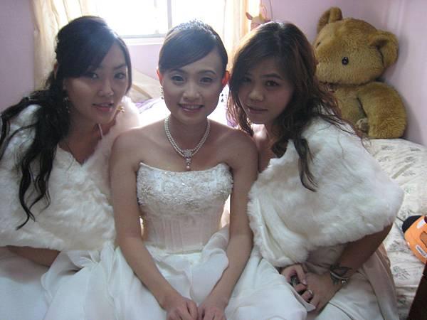 伴娘+新娘