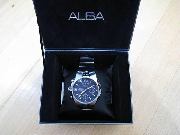 ALBA錶,底是深藍色