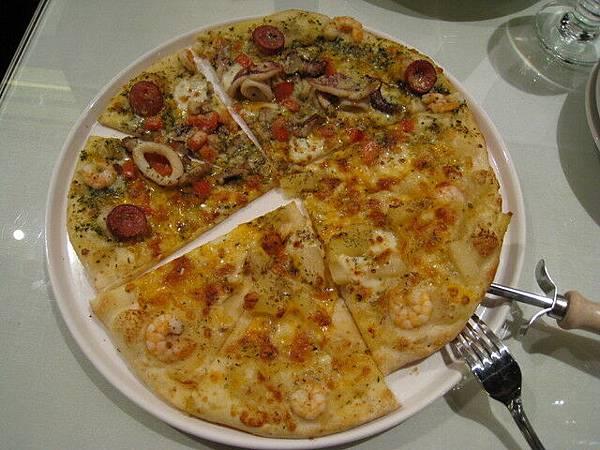 青醬海鮮+咖哩鮮蝦披薩