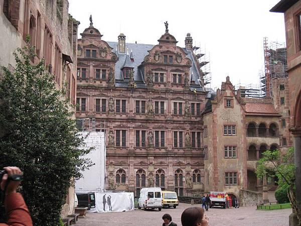 整修中的城堡
