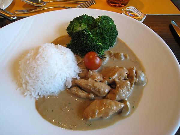 主菜的飯跟台灣的口感不一樣