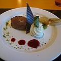 甜點:奶油及巧克力慕絲