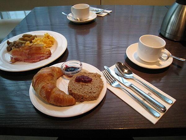 早餐照例是西式早餐