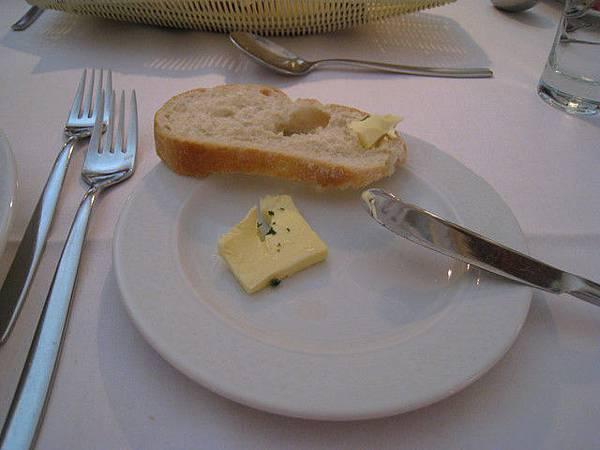 麵包抹特製起司,好好吃!