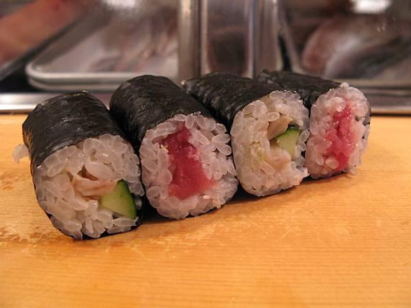壽司捲,吃到這裡已經吃很飽了