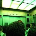 下樓搭專屬電梯