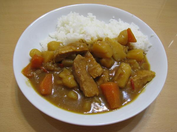 第一次煮咖哩飯,成功!