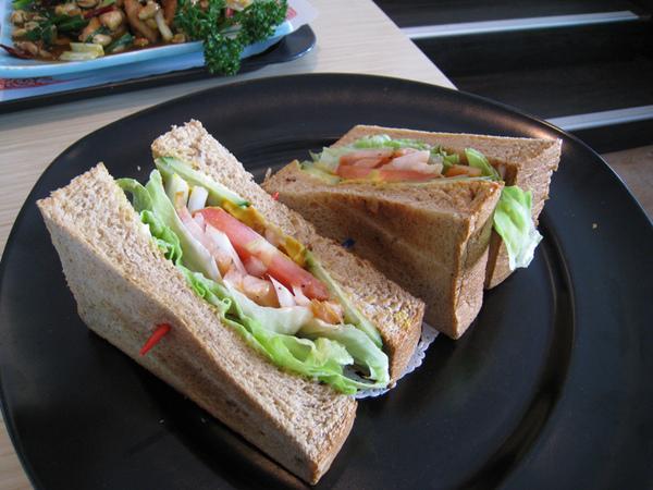 里肌肉三明治