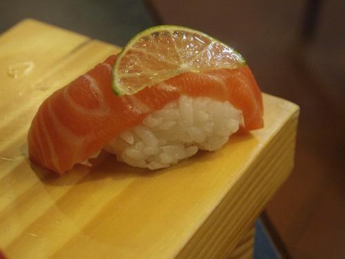 鮭魚握壽司_1092566.jpg