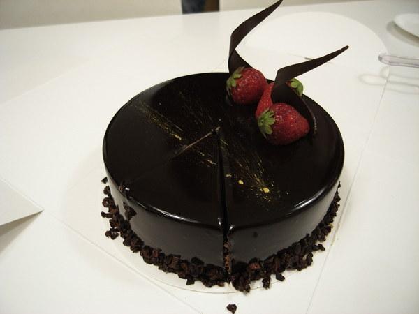 同事訂的芙麗葉生日蛋糕