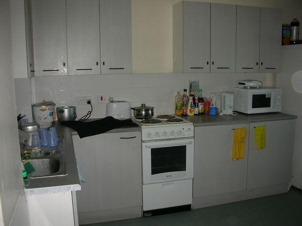 07 擁擠的廚房