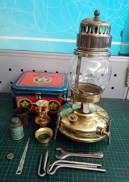 Radius 145 lamp & 17 stove (瑞典)