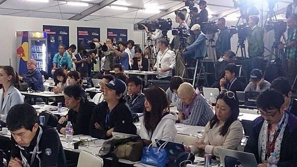 日媒體陣容龐大