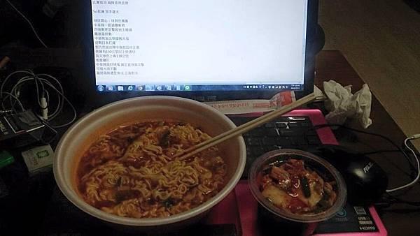 韓國採訪 常常吃的就是泡麵跟泡菜