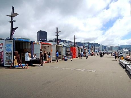 DSCN3183_waterfront shops.JPG
