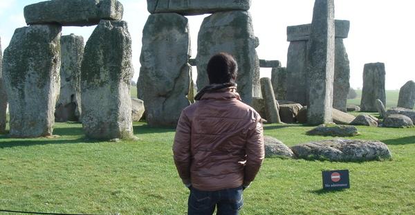 近觀巨石群