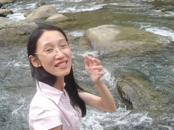 這邊水很涼喔
