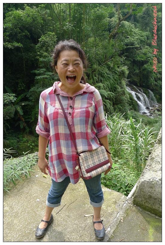 我很愛我媽這張笑很開的照片
