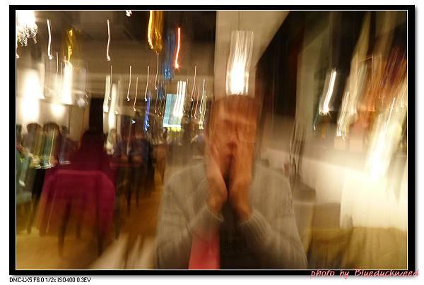 等餐無聊玩相機