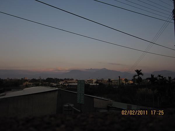 黃昏從老家看出去的天空