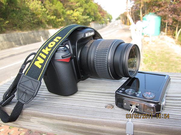 妹妹高檔單眼相機,一萬多的數位也只能淪為墊底的份