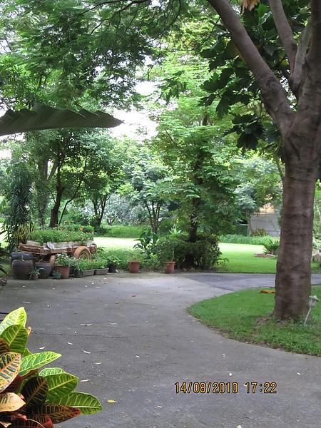 鄉村故室的庭園
