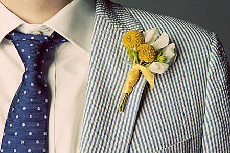 Groom-in-Seersucker-Suit-500x333