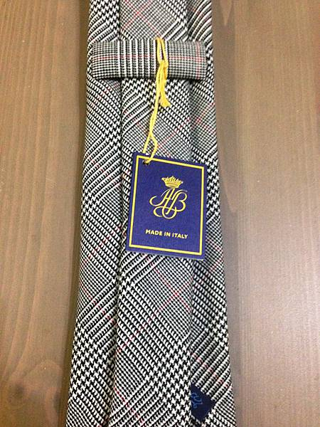 Tie Detail (3)