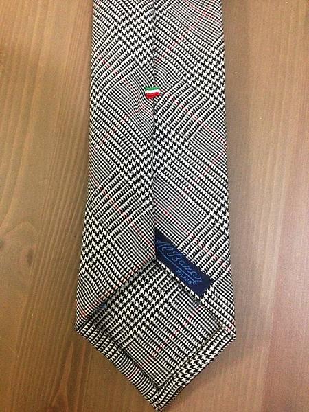 Tie Detail (5)