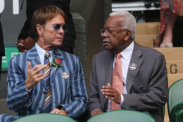 PAY-Sir-Cliff-Richard-with-Sir-Trevor-Macdonald-at-Wimbledon.jpg