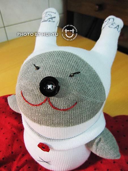 手作-襪子娃娃-小灰怪1.jpg