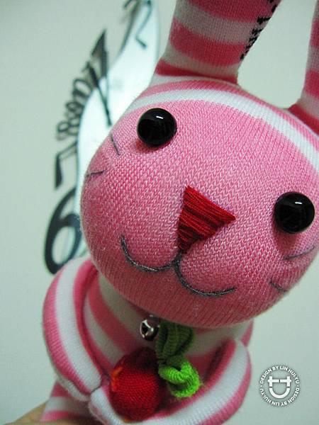 手作-襪子娃娃「大眼兔」4.jpg